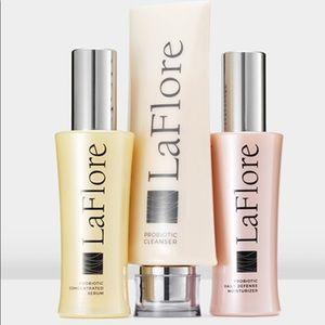 💕La Flore Probiotic 3 Step Skincare kit💕